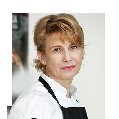 Популярный блогер, телеведущая, один из основателей кулинарной школы «Хлеб и Еда», автор книги «Национальные пироги» Алена Спирина.
