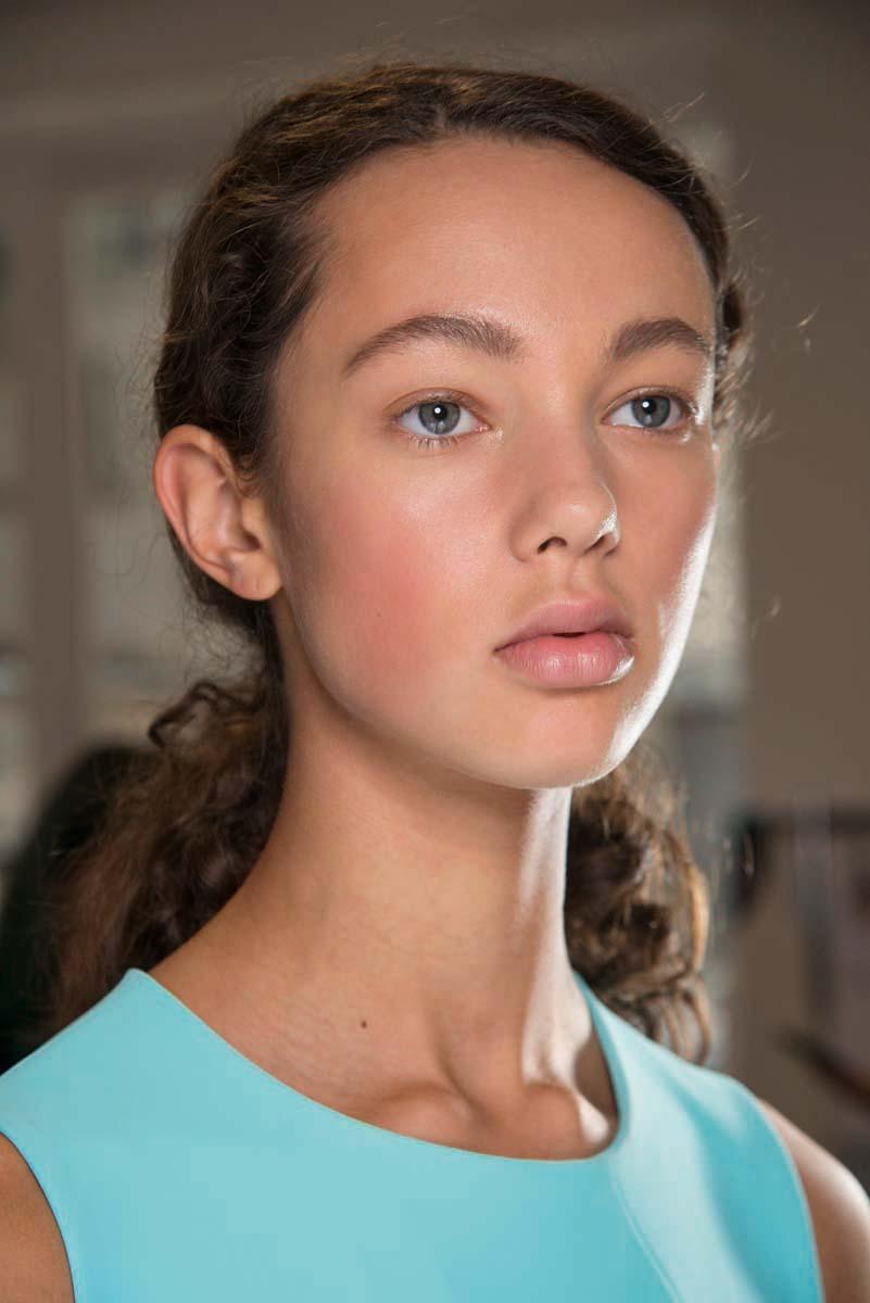 Главные тренды весеннего макияжа отвизажистов M.A.C.: