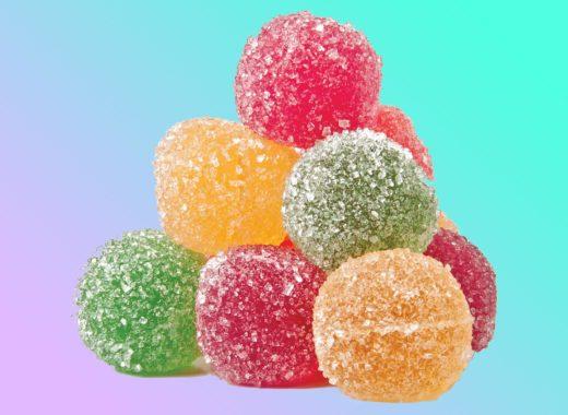 Правда ли, что «живые» сладости лучше обычных? К чему приводят безуглеводные диеты? И как правильно выбирать сухофрукты?