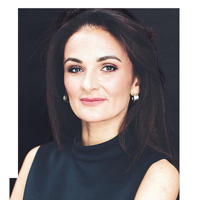 Кандидат медицинских наук, врач стоматолог-терапевт, член Европейского общества косметической стоматологии в столице Зарина Анатольевна Бичикаева.