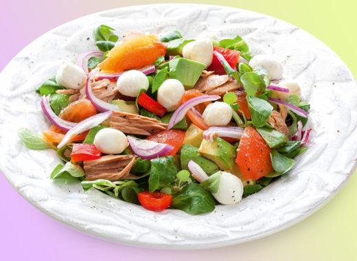 Салат с моцареллой итунцом
